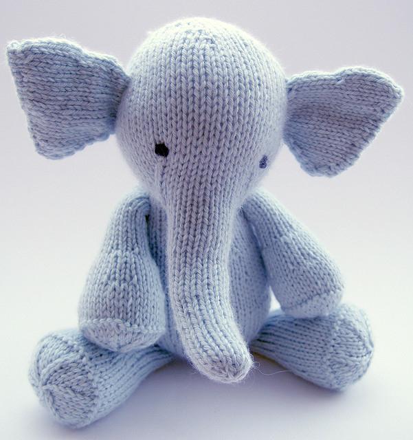 elefante tejido a mano