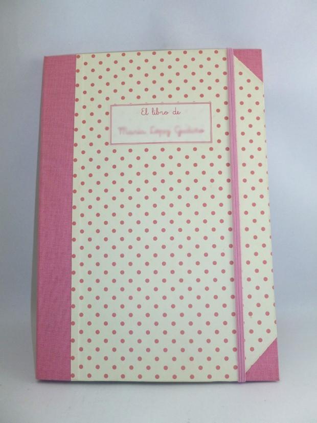 libro_bebe_cartonaje_rosa_amano