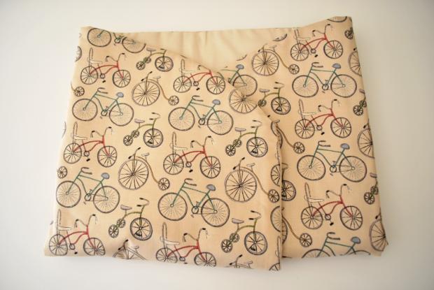 arrullo de bebe de bicis hecho a mano algodón
