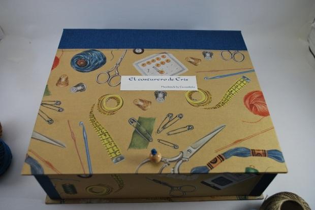 Costurero de cartonaje personalizado hecho a mano cerrado
