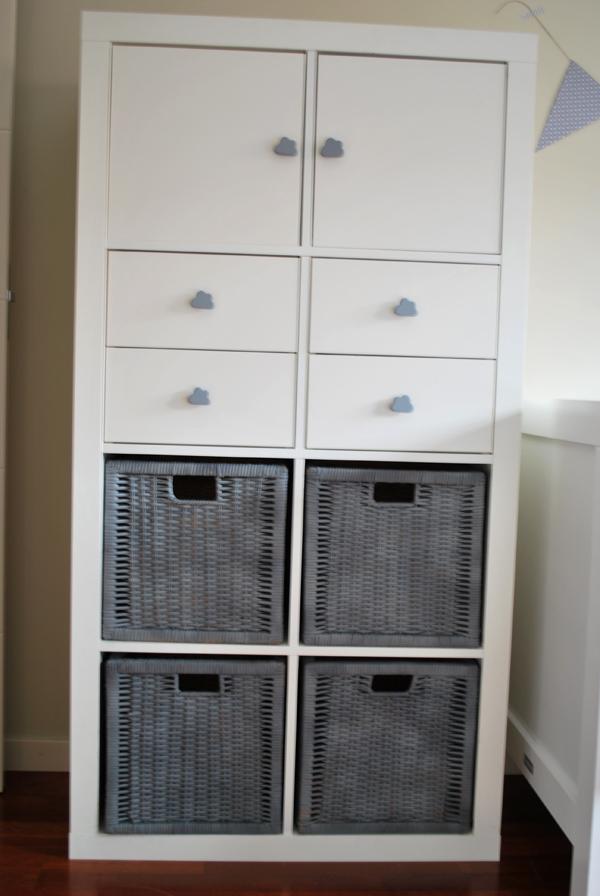 Mueble de ikea personalizado para cuarto de beb a coser for Muebles con cestas