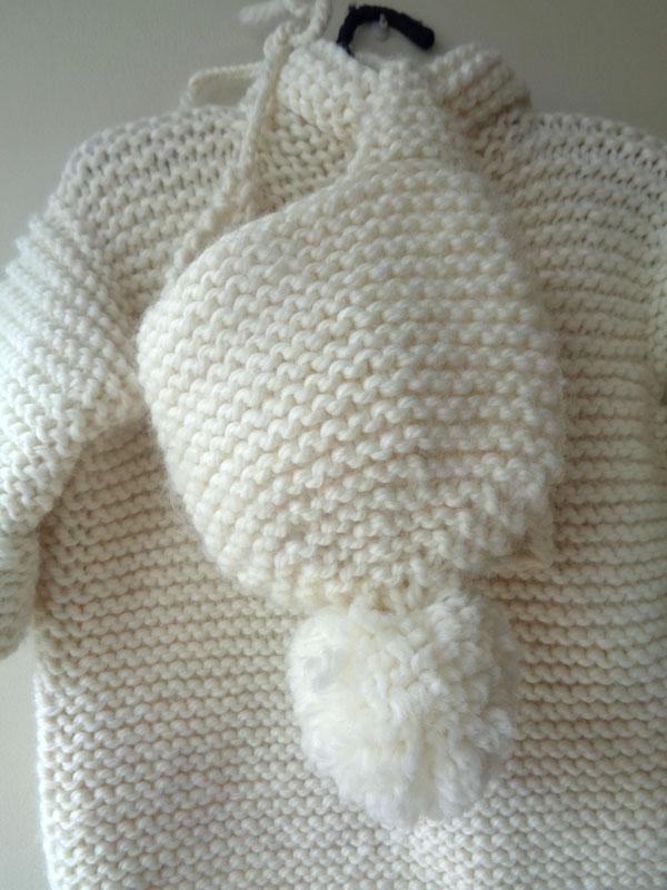 abrigo lana hueso atras gorro amano handmade