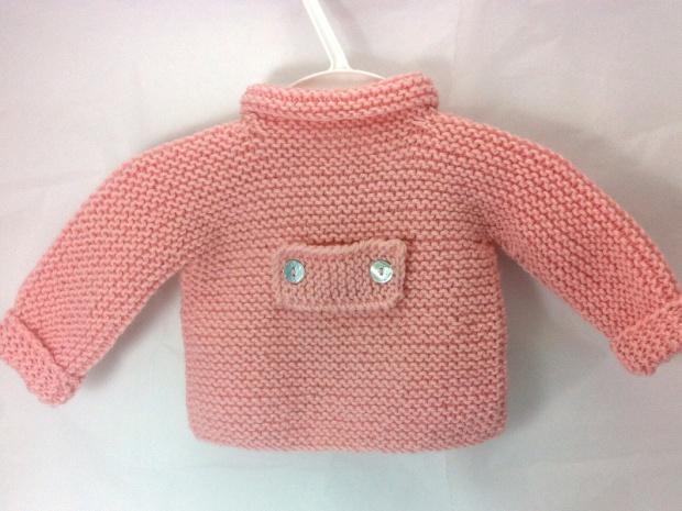 jersey chaqueton rosa bebe a mano colgado_O
