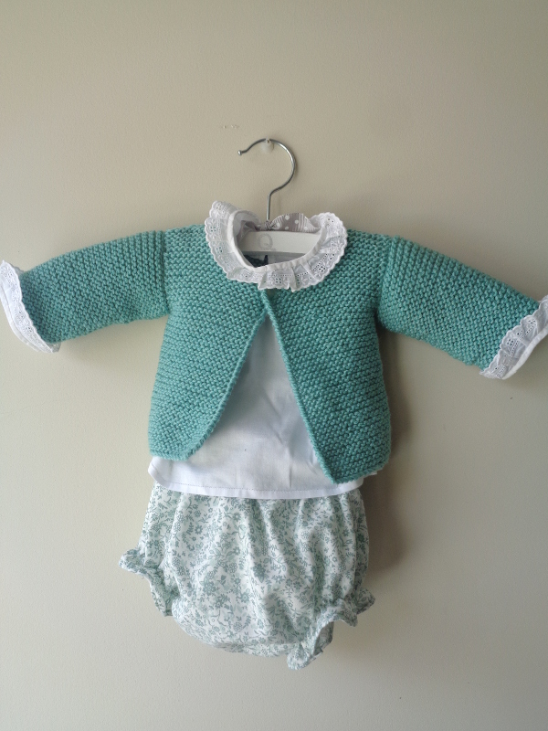 conjunto-jersey-culotte-verde-primera-puesta