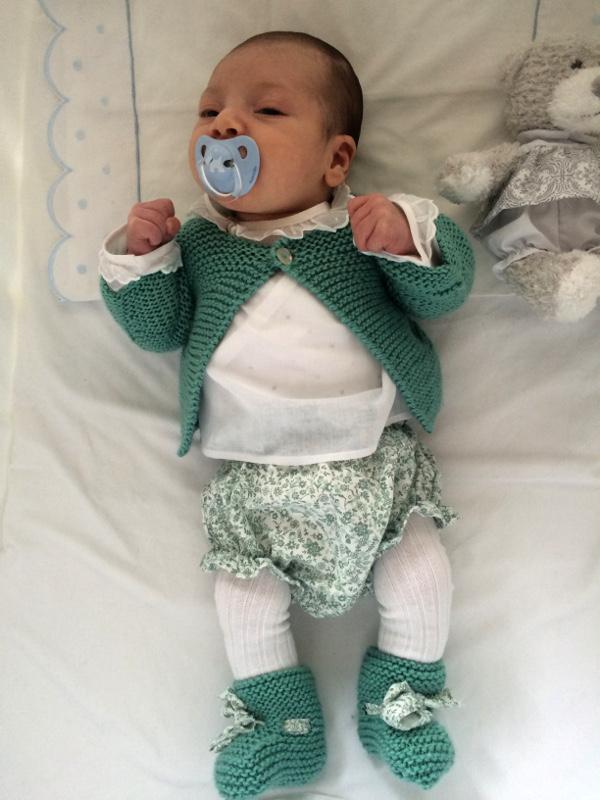 44bc3f076 Bebé con conjunto de primera puesta en verde agua – A CoSer y Punto